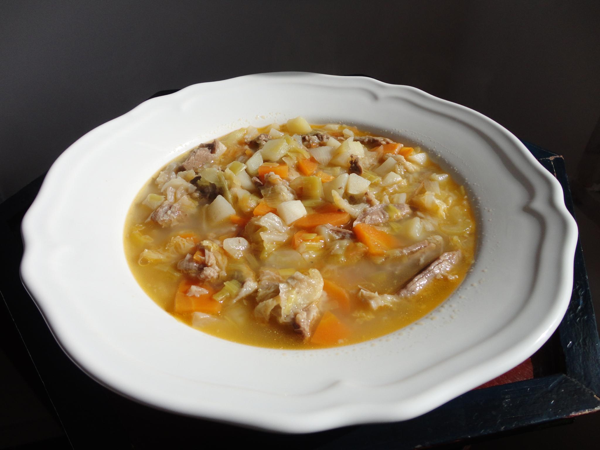 Sopa de Legumes com Vitela