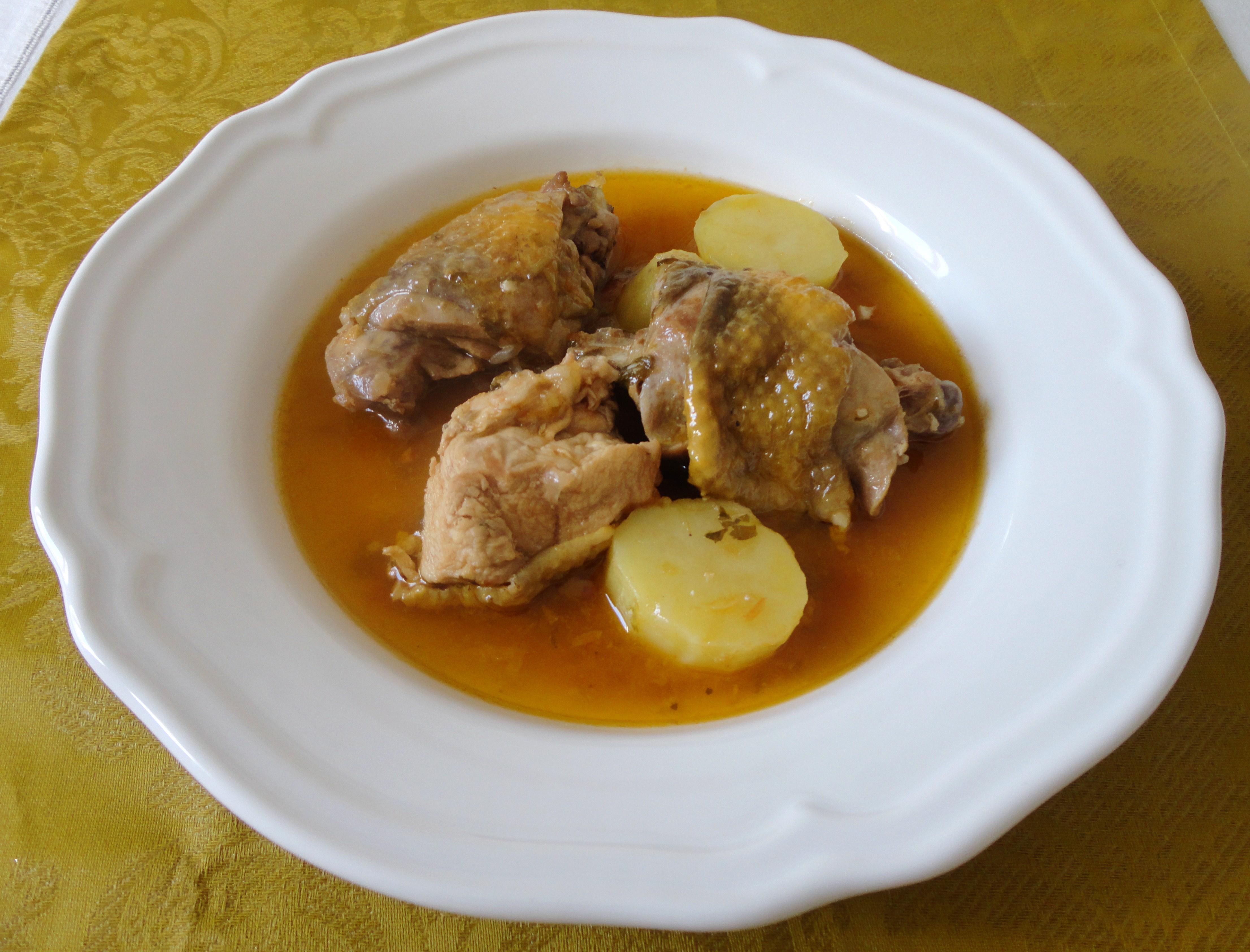Fraca Guisada com Batatas