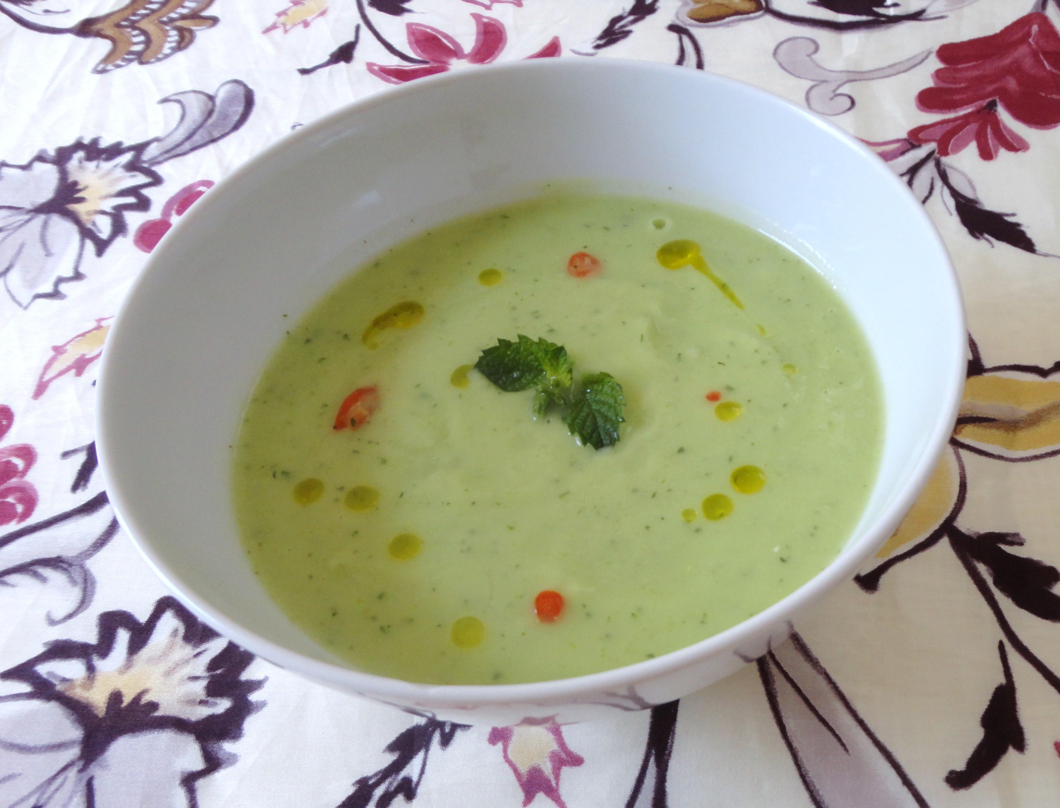Sopa Fria de Pepino e Abacate