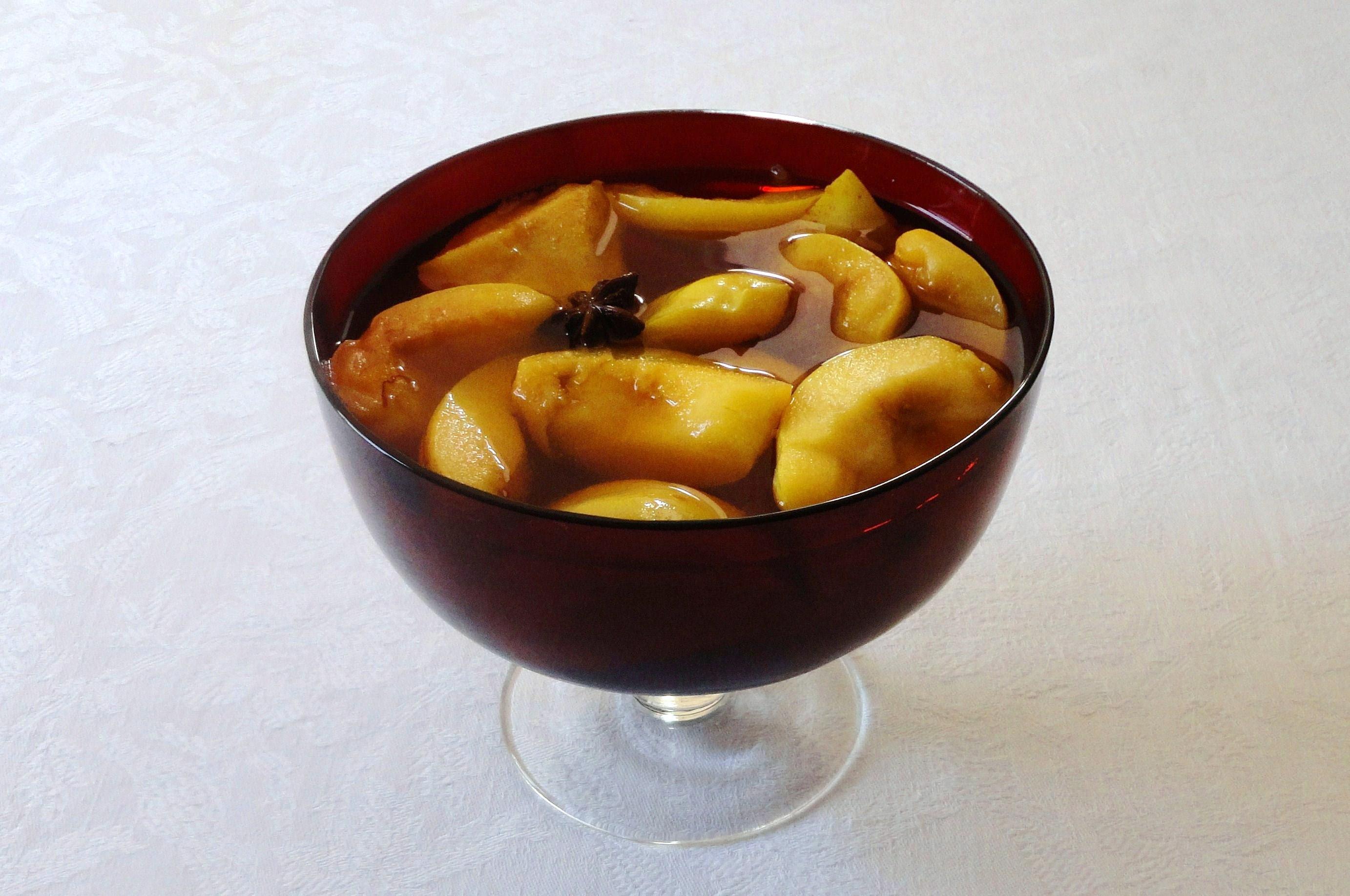 Marmelos em Calda de Moscatel e Açafrão