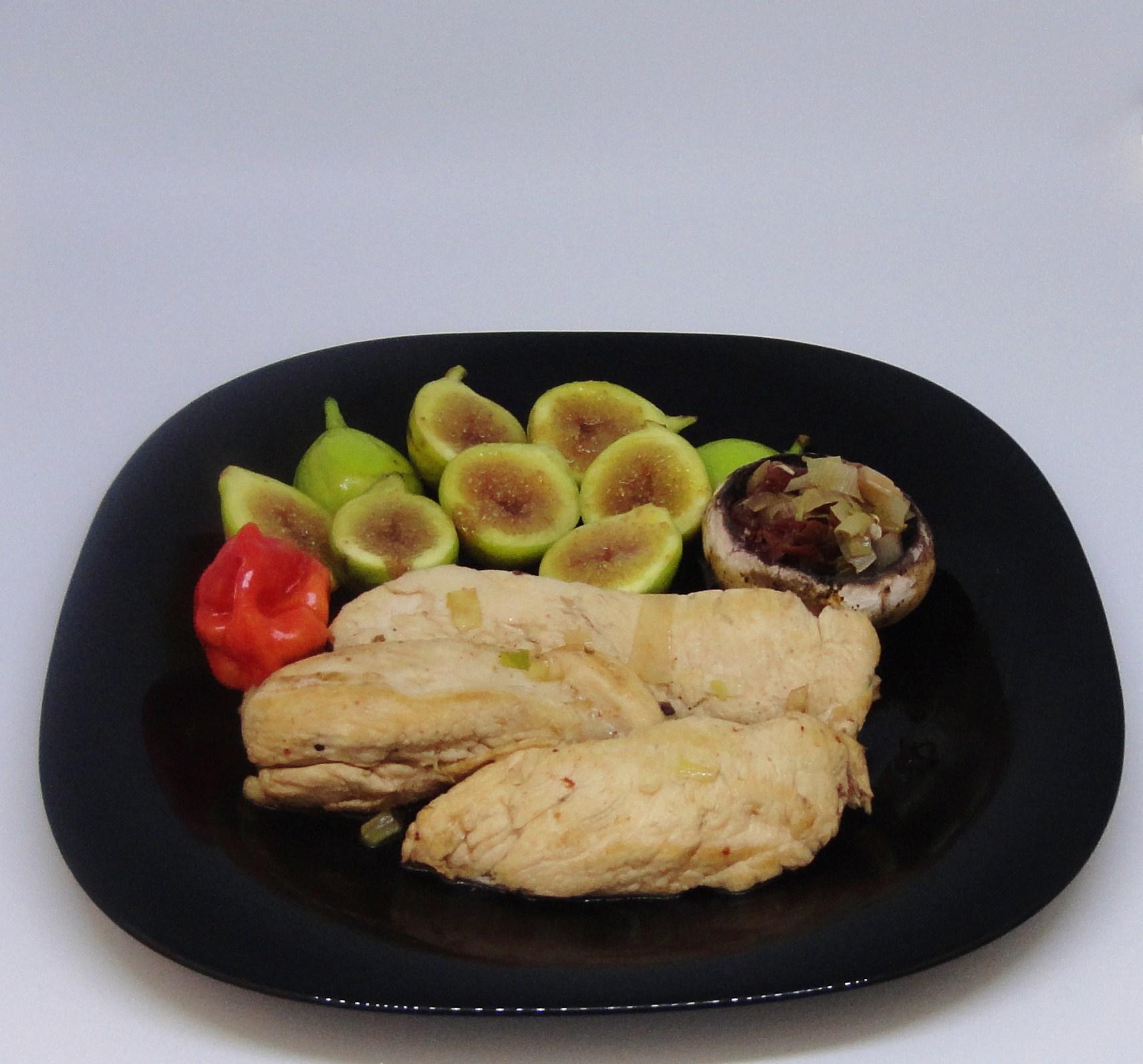 Peitos de Frango com Tomate Seco e Figos Caramelizados