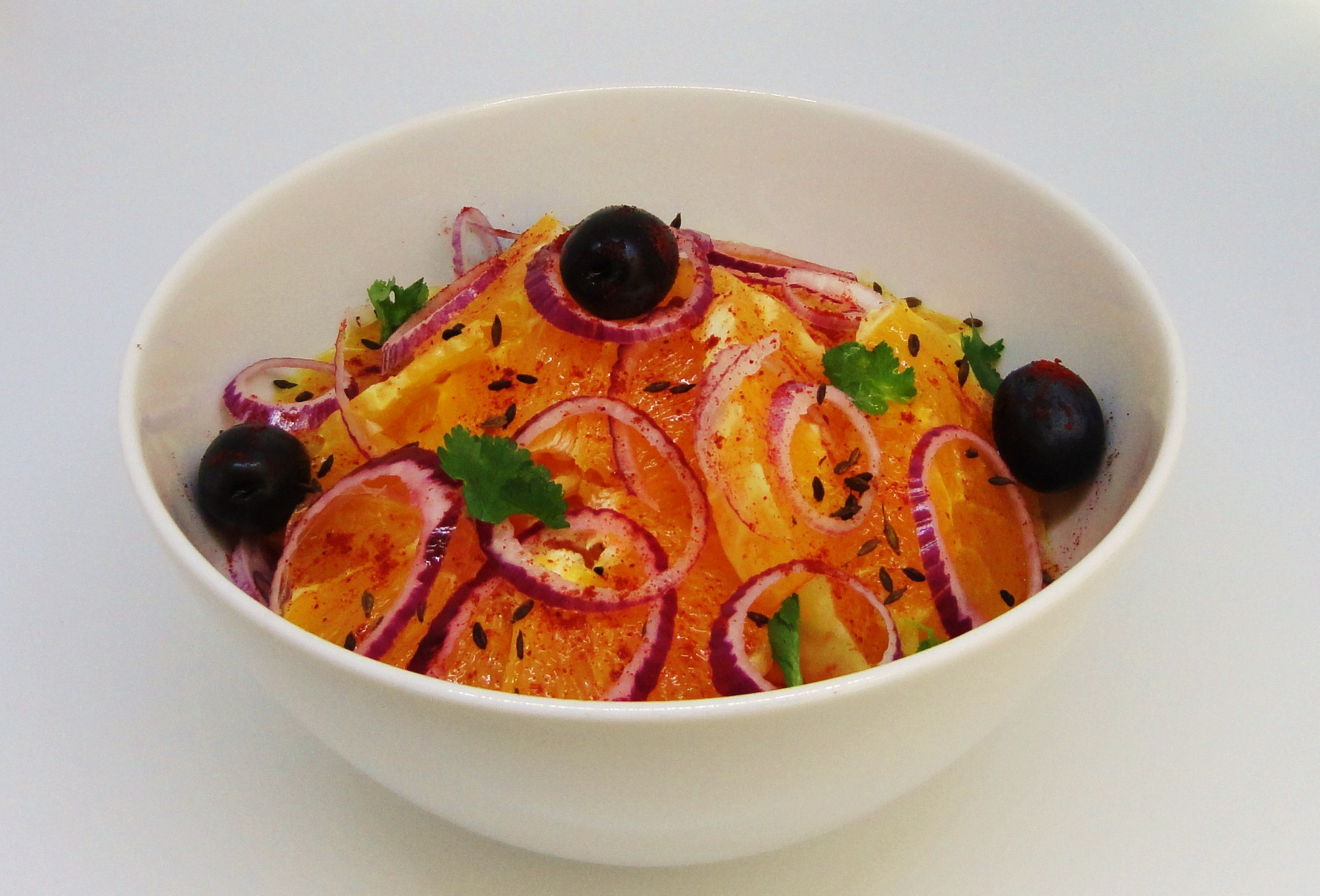 Salada de Laranja com Cebola Roxa e Azeitonas