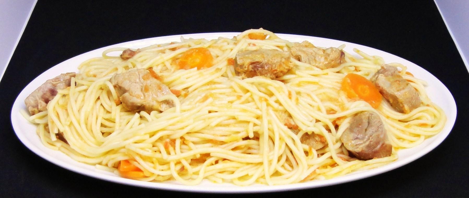 Pá de Porco com Esparguete