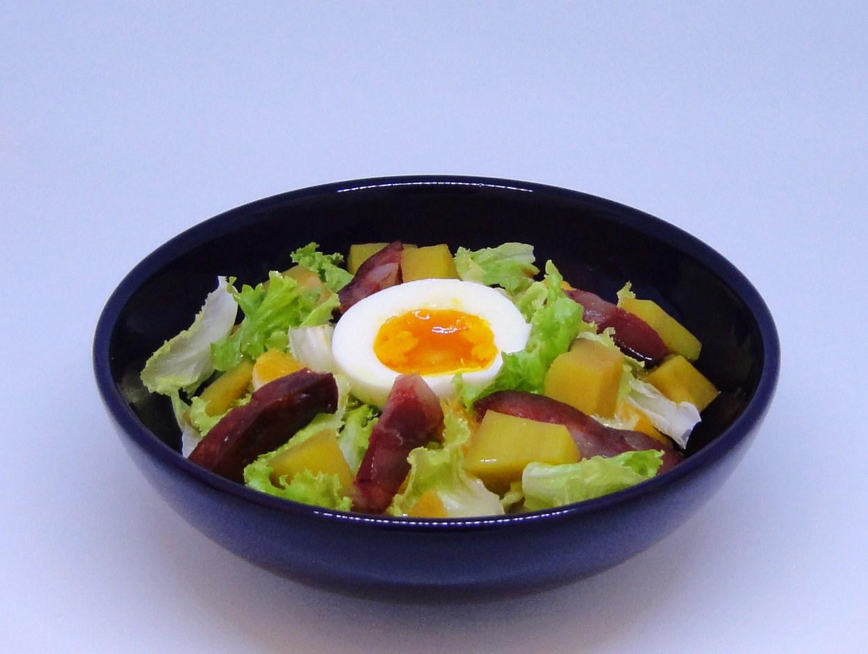 Salada de Batata-doce, Ovo e Chouriço