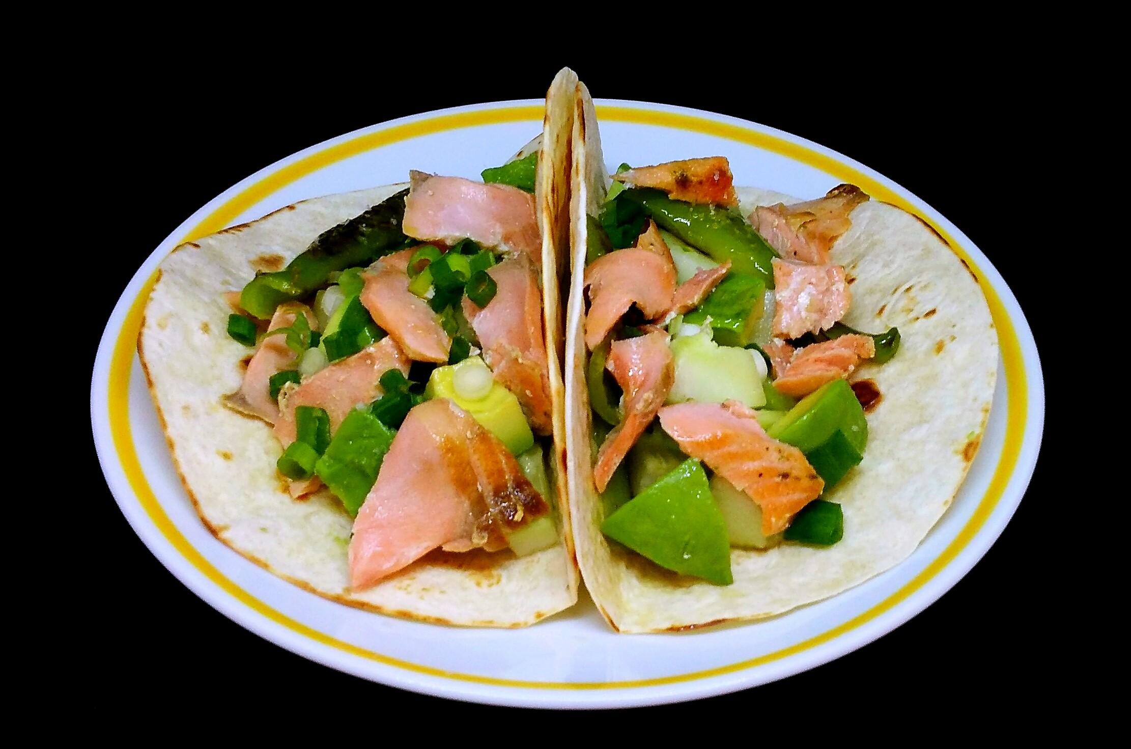 Tacos de Salmão com Abacate
