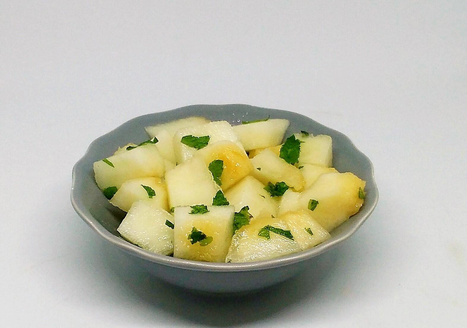 Salada de Melão com Hortelã e Água de Flor de Laranjeira
