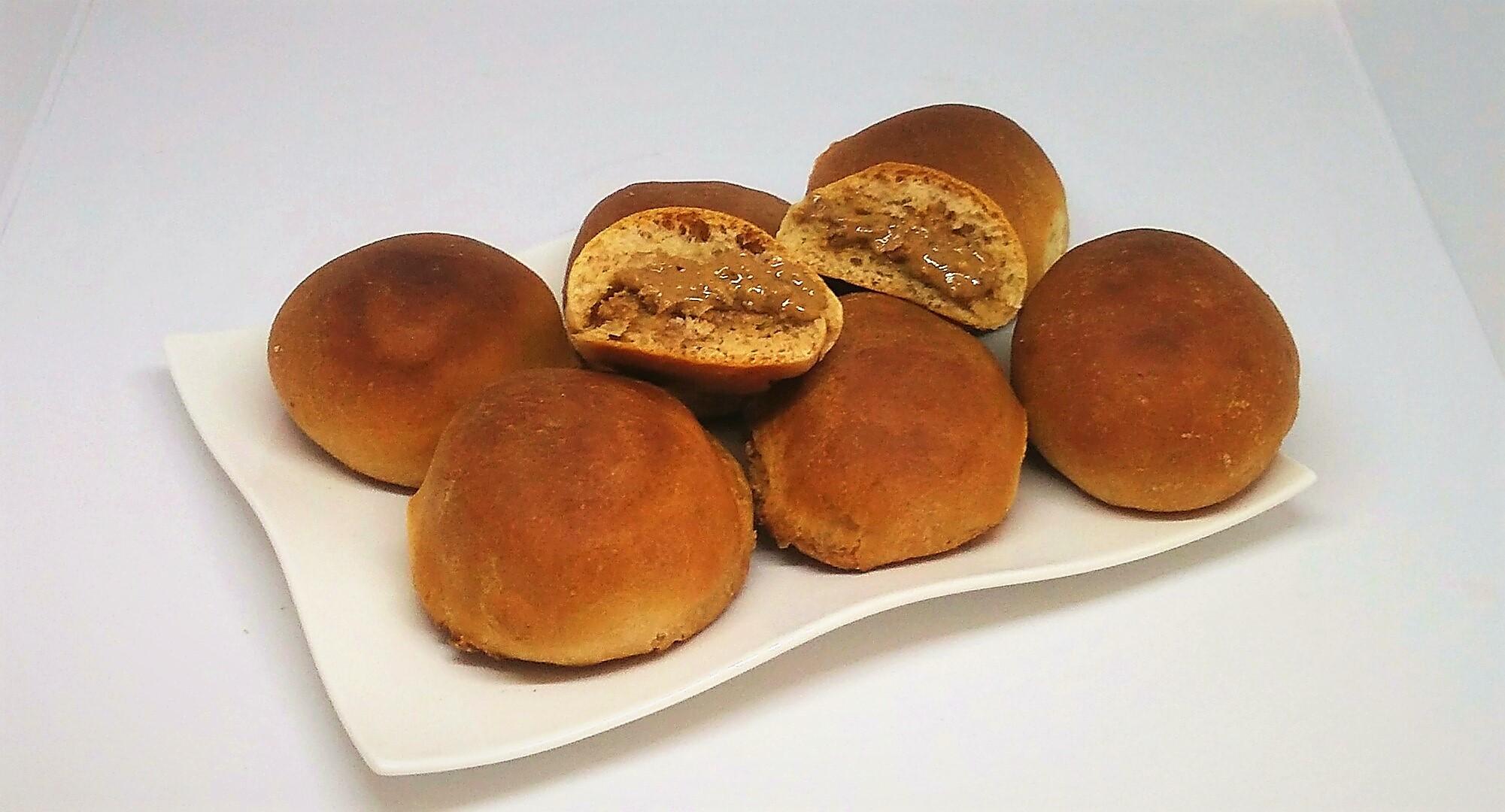 Pãezinhos Recheados com Manteiga de Amendoim