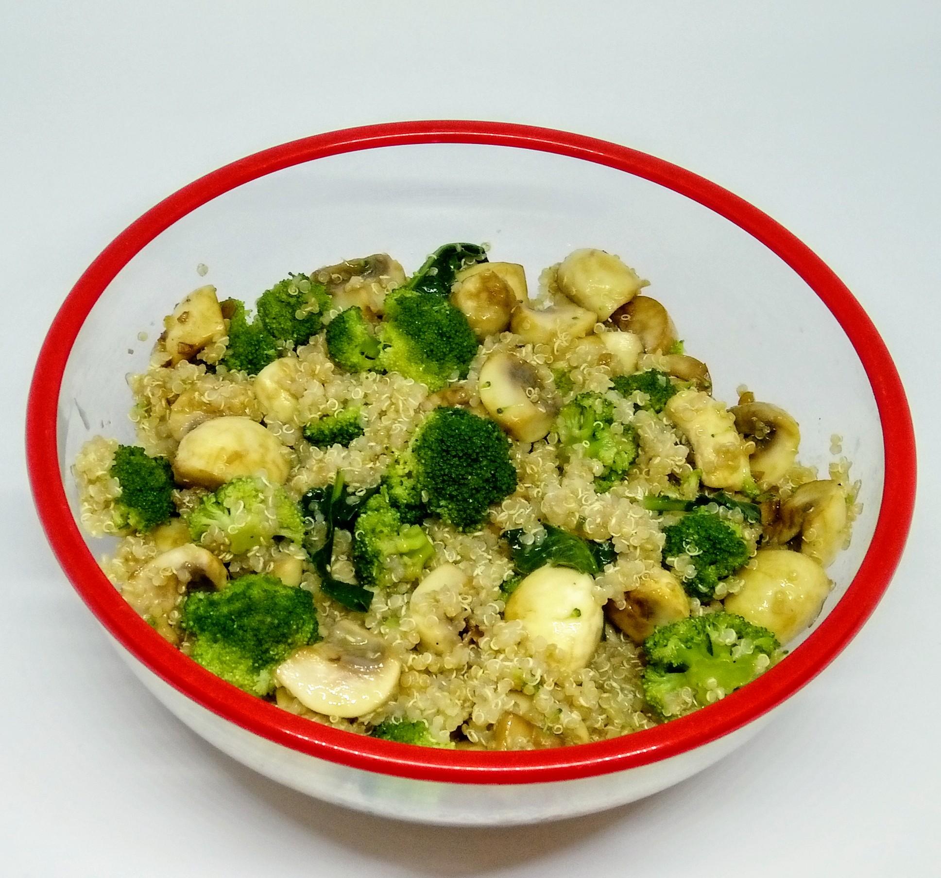 Quinoa com Brócolos e Cogumelos