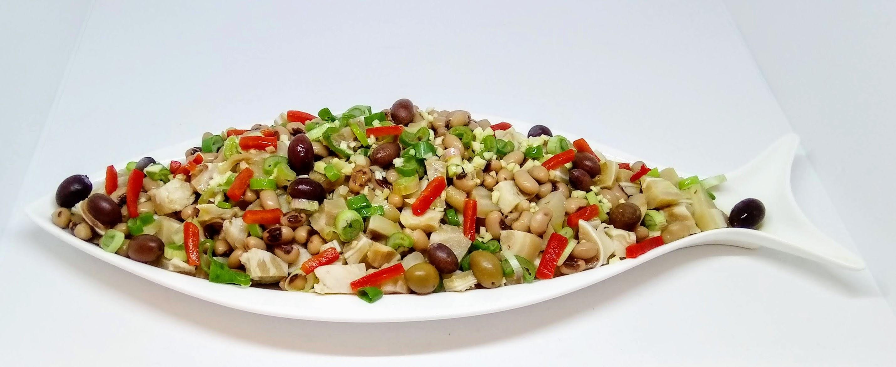Salada de Orelha com Feijão Frade